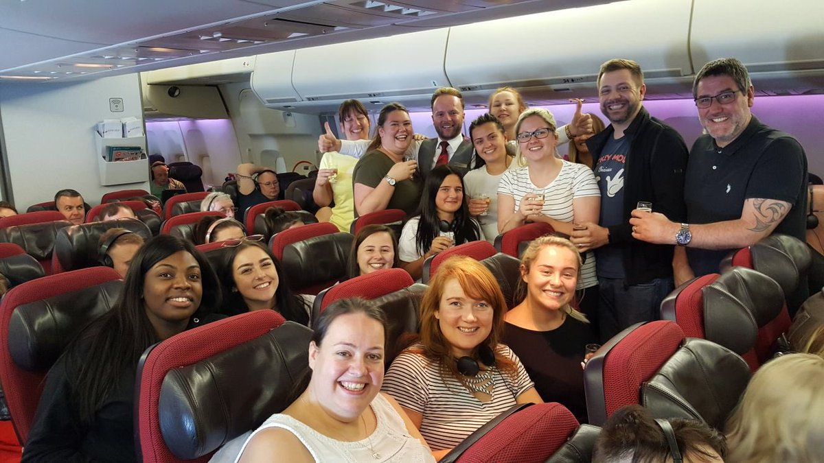 Perfect response from @VirginAtlantic for Molly's birthday - champagne all round! Thanks to the lovely James for organising the surprise #livefromvirgin #floridafieldtrip #arewenearlythereyet
