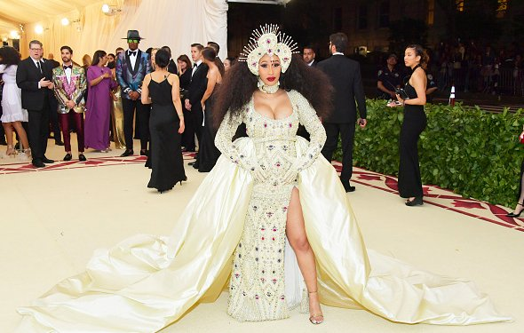 .@iamcardib, @NICKIMINAJ & @solangeknowles #MetGala https://t.co/GgMUdq2AJq https://t.co/peD1dZaQGG