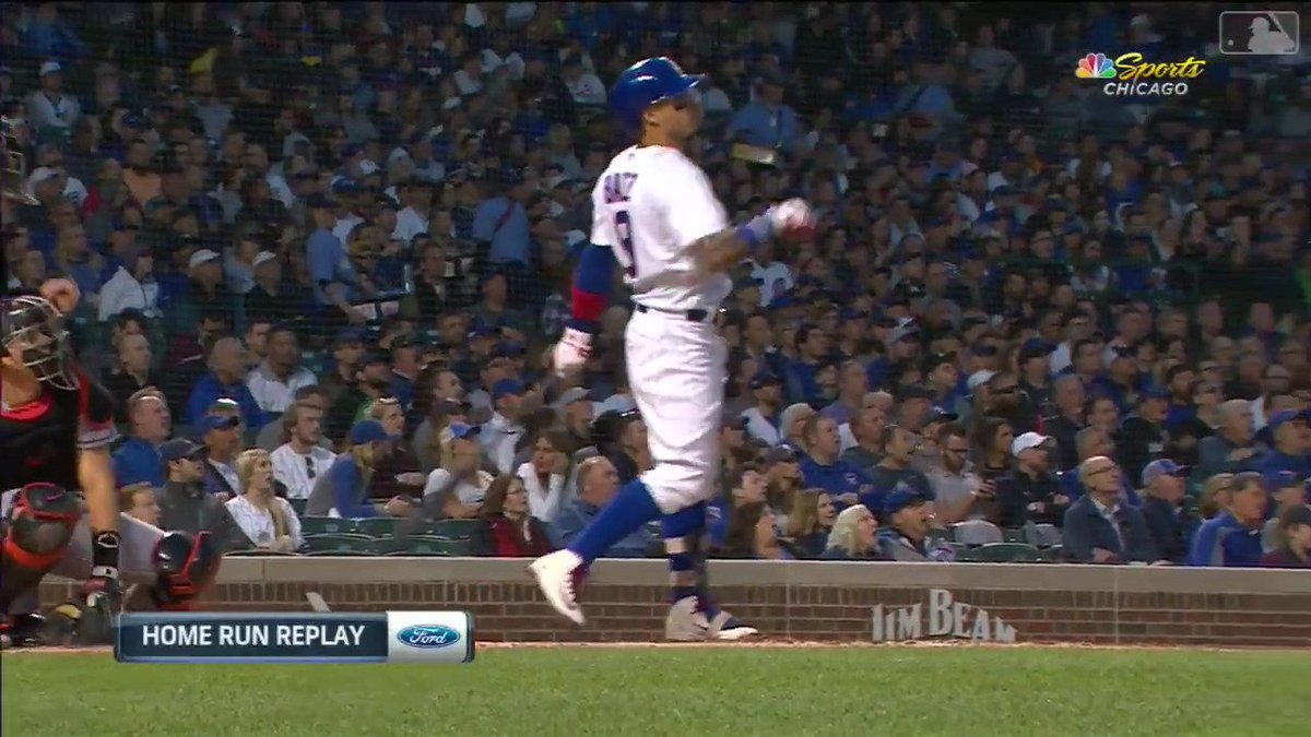 Tweeting Javy Báez videos every day until baseball returns day 80/? Javy launches a homer to center back in 2018, his third straight game with a dinger. #cubs