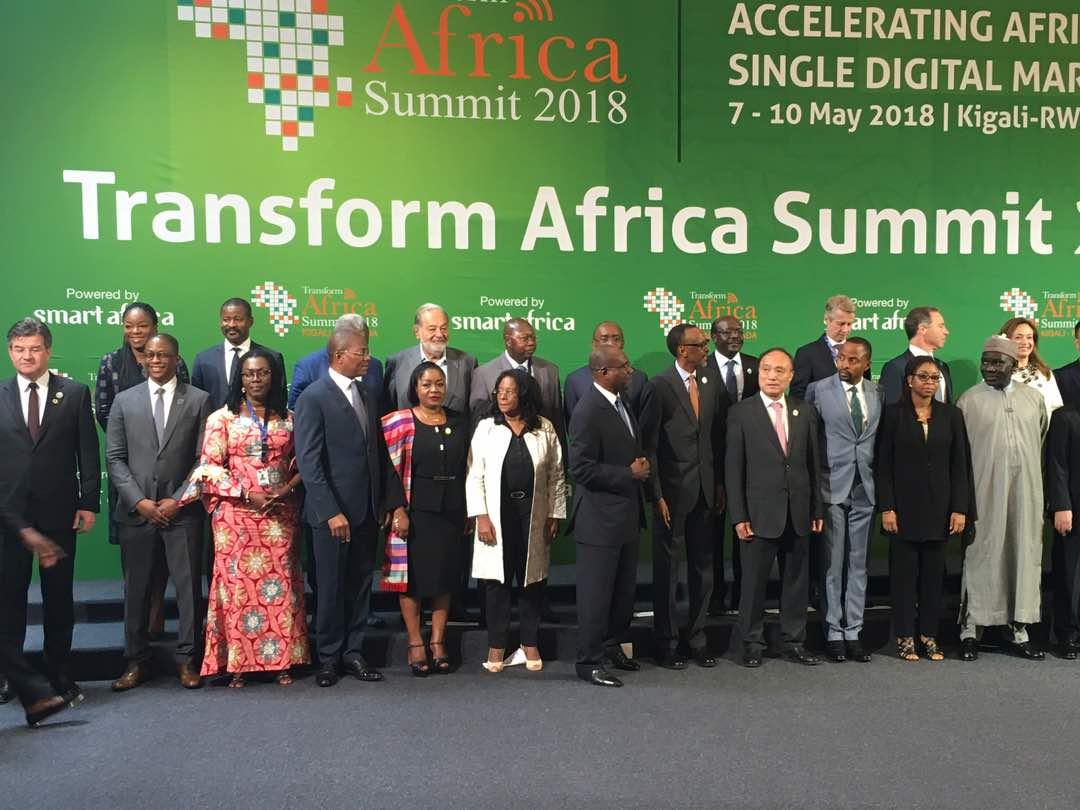Rencontre à la frontière entre les chefs de la diplomatie du Rwanda et du Burundi