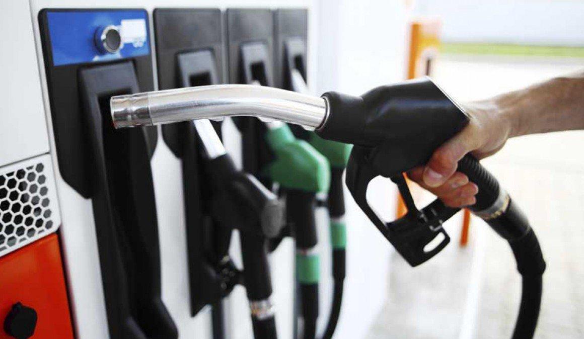 Infórmate de dónde estas las gasolineras más baratas y caras en España  http://bit.ly/2HWOEf9 pic.twitter.com/n1wTJ3XZTX