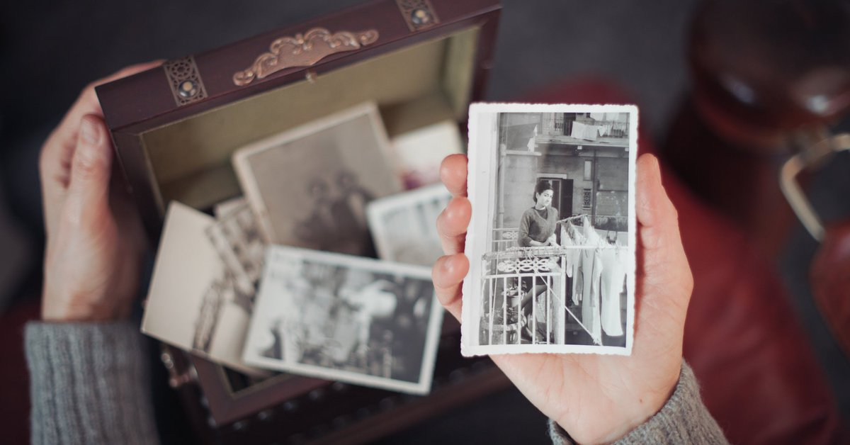 Tips for getting through the holiday from others who have lost their moms. huffp.st/zgmPGri