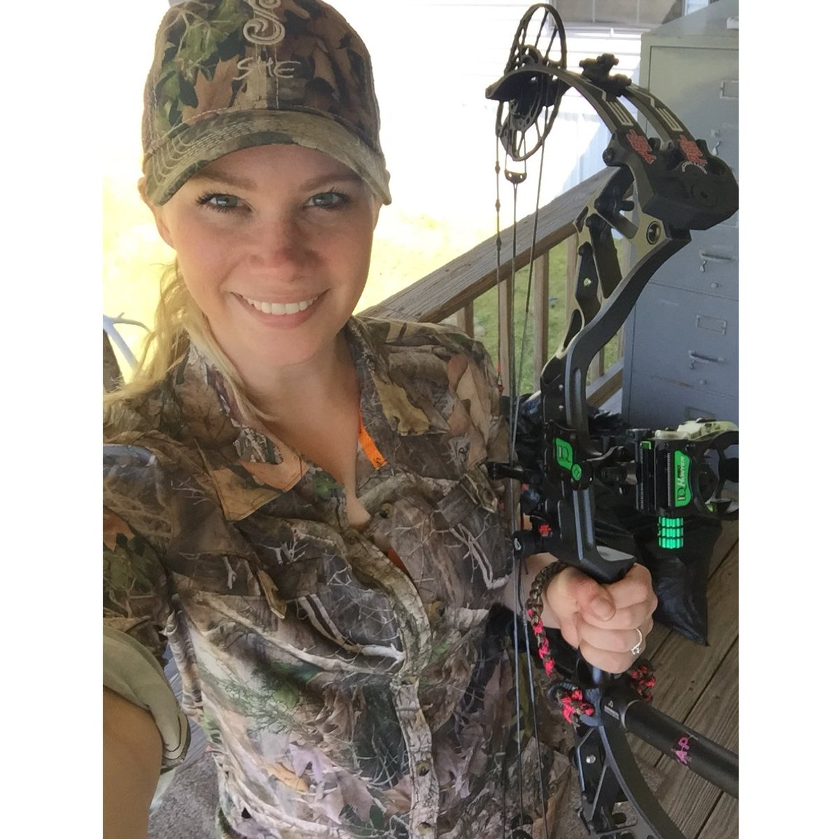 #TapTuesday have I mentioned how much I love my new setup?? #SheHunts #Archery #BowHunting