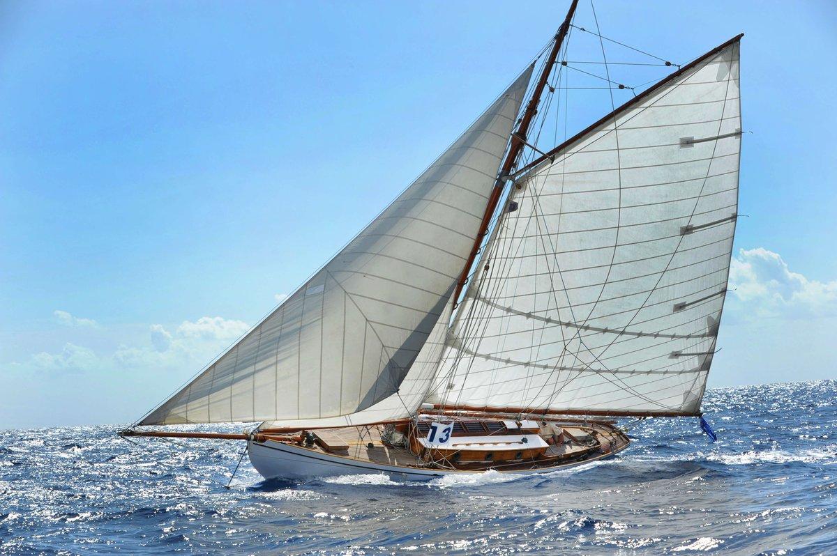 """""""Que es mi barco, mi tesoro..."""" ⛵  #embárcate #lovesailing #holidays #yatchlife #yatch #summer #summervibes #navegar https://t.co/2UBBfFW3lx"""