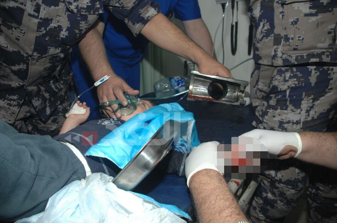 جريدة الغد On Twitter صور الدفاع المدني ينقذ طفلا علقت يده في