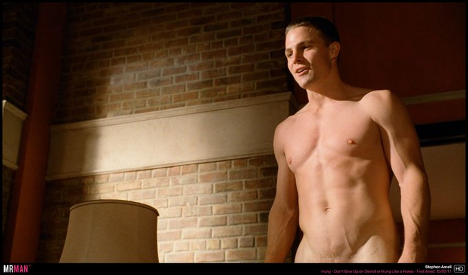 Happy naked birthday to Stephen Amell!
