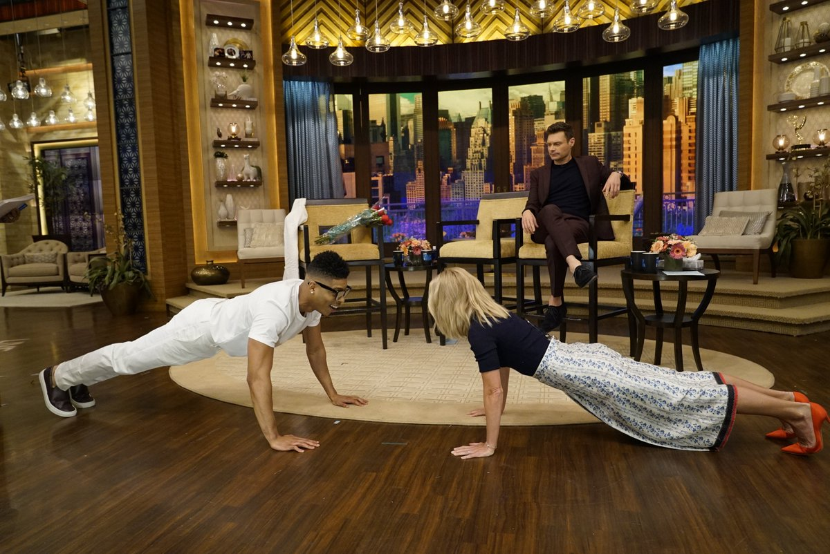 If only I knew we were doing push-ups, I would've rocked my @markconsuelos workout gear #kellyandryan