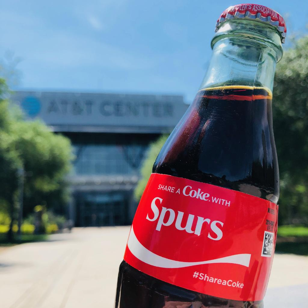 Life's sweeter when you #ShareACoke with Spurs Family. https://t.co/dVmzA2WOcx