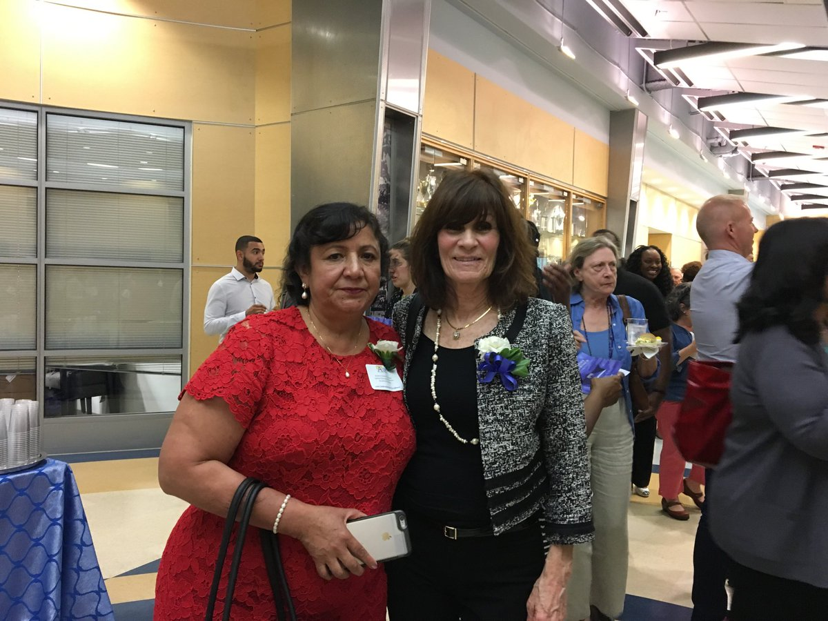 Stratford teacher of the year and support employee of the year <a target='_blank' href='http://search.twitter.com/search?q=APSExcellence'><a target='_blank' href='https://twitter.com/hashtag/APSExcellence?src=hash'>#APSExcellence</a></a> <a target='_blank' href='https://t.co/WoNyqzvYJL'>https://t.co/WoNyqzvYJL</a>