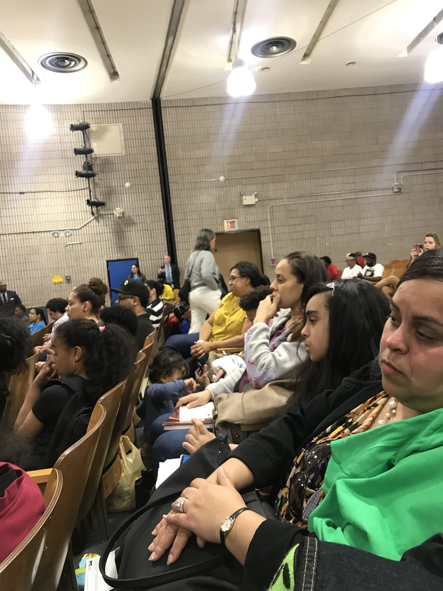 Thank you to our MSTA parents and scholars for coming out to our chancellors first town hall meeting in the Bronx! We appreciate you! #MSTA @MSTAPrincipal @AP_MSTA