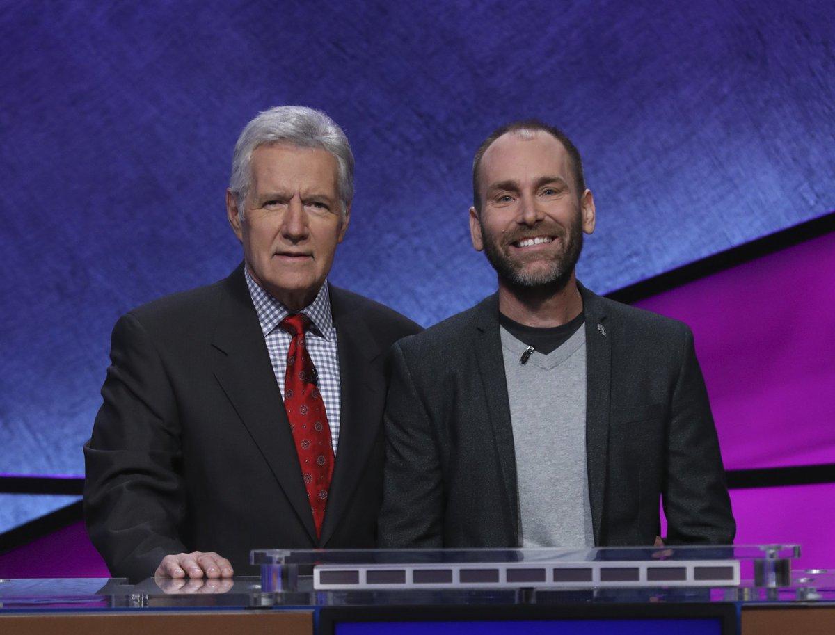 ... on @Jeopardy tonight on NewsWatch 12. http://www.kdrv.com/content/news/Local-Teacher-To-Appear-On-Jeopardy-481991521.html  …pic.twitter.com/29UwmOk5PC