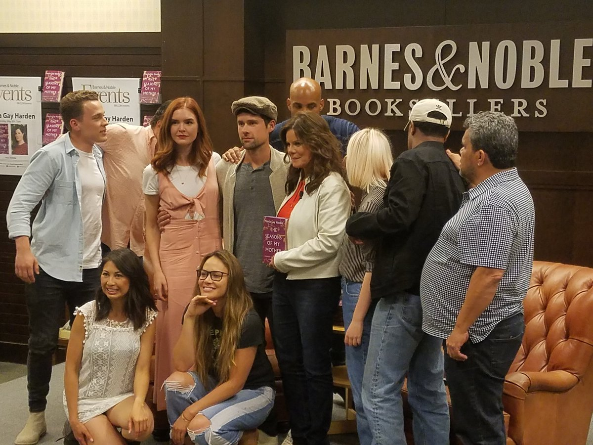 Barnes Noble Events The Grove On Twitter Thank You To Mgh 8