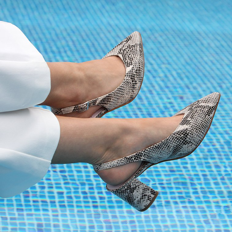 5dc26bdace2c So ditch the wellies and get your sandals on! Here s our top tips for  caring for your feet so they re summer ready! https   bit.ly 2pNuic9  shoes   feet ...