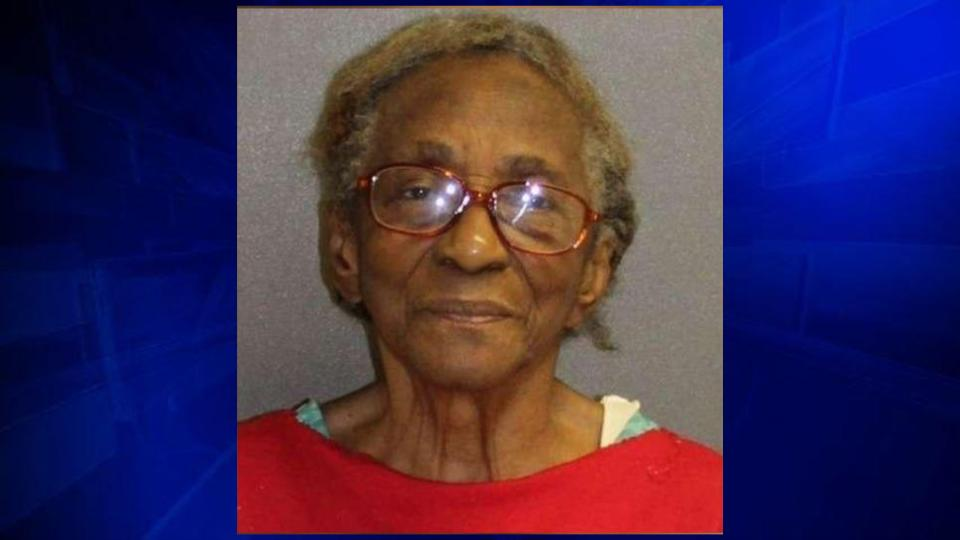95-year-old grandma arrested after slapping granddaughter in face with slipper https://t.co/URSwpJoY8Q https://t.co/8C3lDfvTUW
