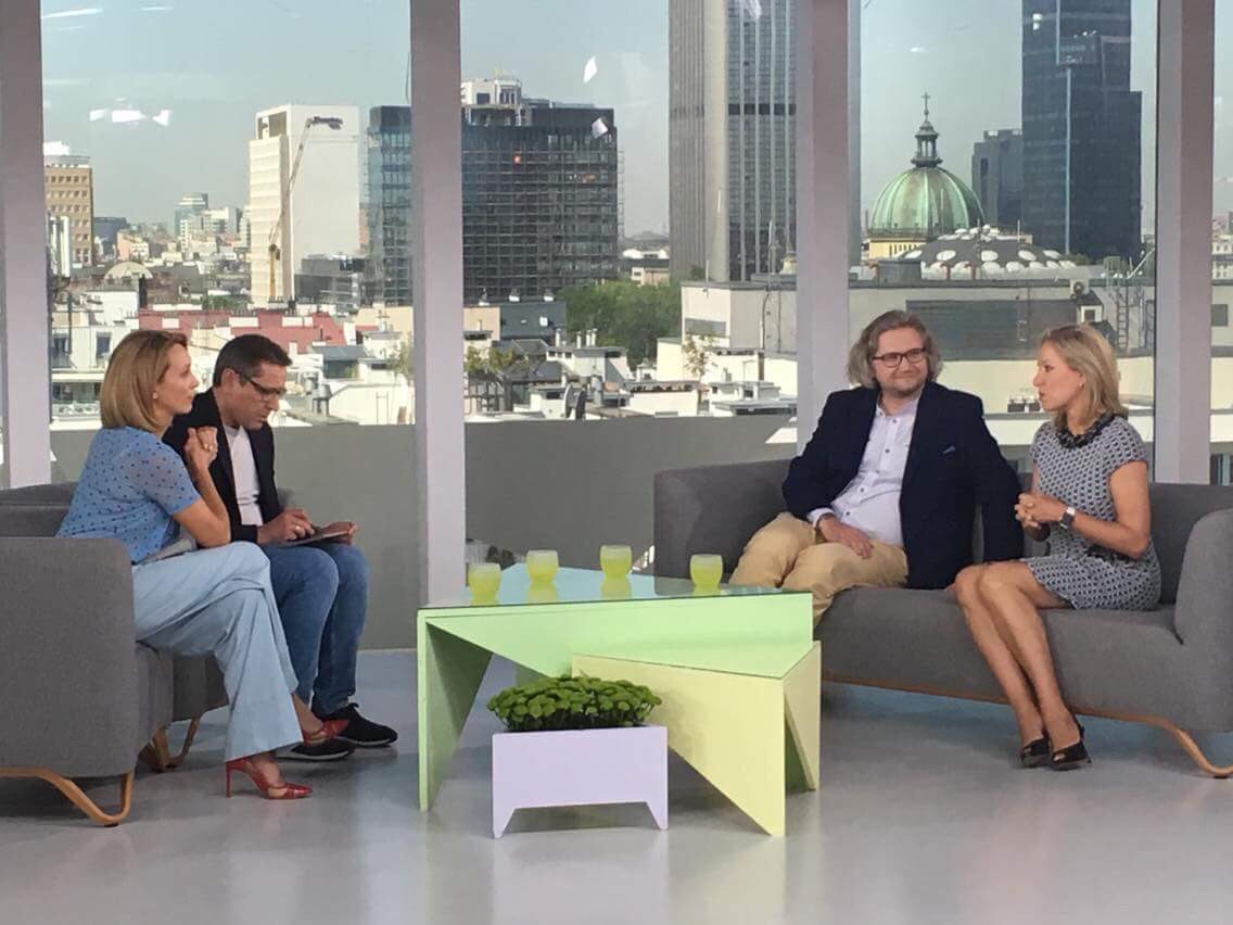 Side Table Met Spiegel.Aldona Spiegel Md On Twitter Exciting Morning Polish Television