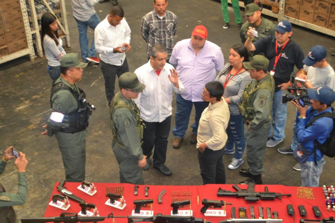 VueltaALaPatria - Dictadura de Nicolas Maduro Dcw_ZKEW0AAUUv-