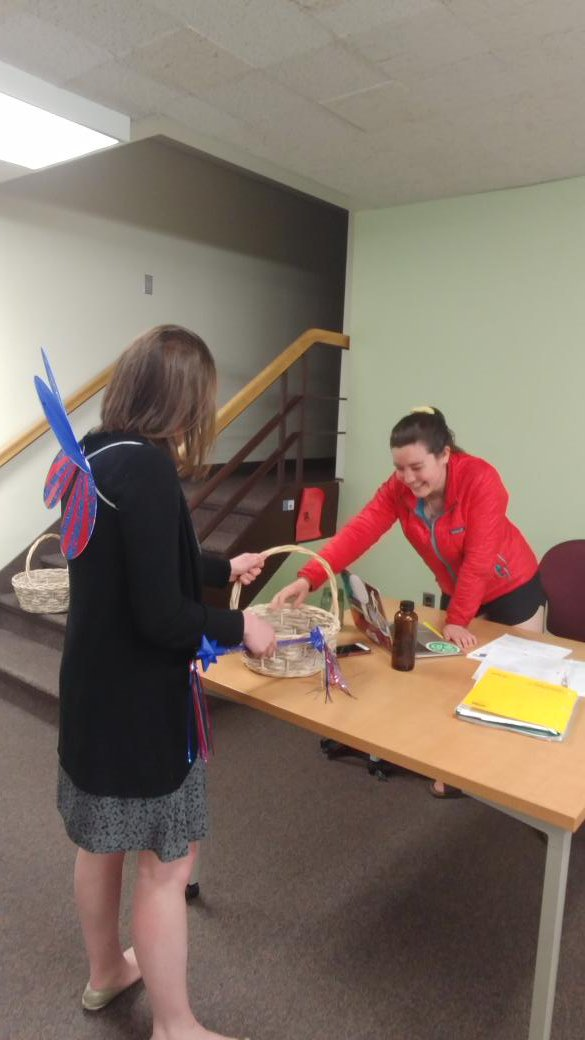 Breaking news! The elusive Snack Fairies have been sighted in the library for a second time this week! When will they come again? #wheatonma #seennearthelibrary #FinalsWeek #snackfairy https://t.co/OLfDt0m11m