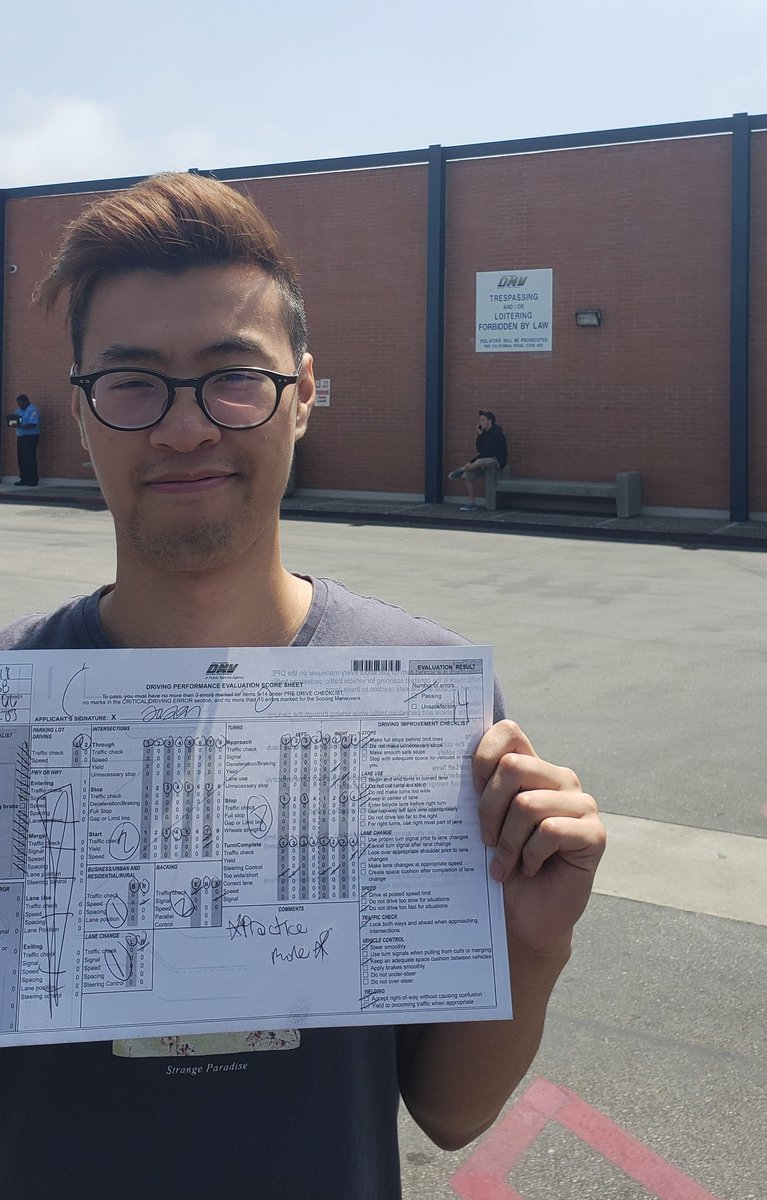 I passed my drivers test 😱 one more error and I wouldve failed. Big thanks to @Graynomic for letting me use his car
