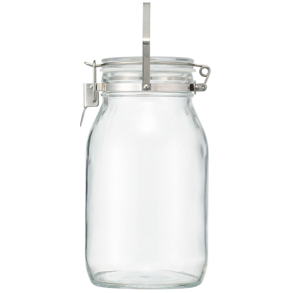無印の入浴剤の入れ物が牛乳瓶ぽくて気に入ったので、ミルクの入浴剤.