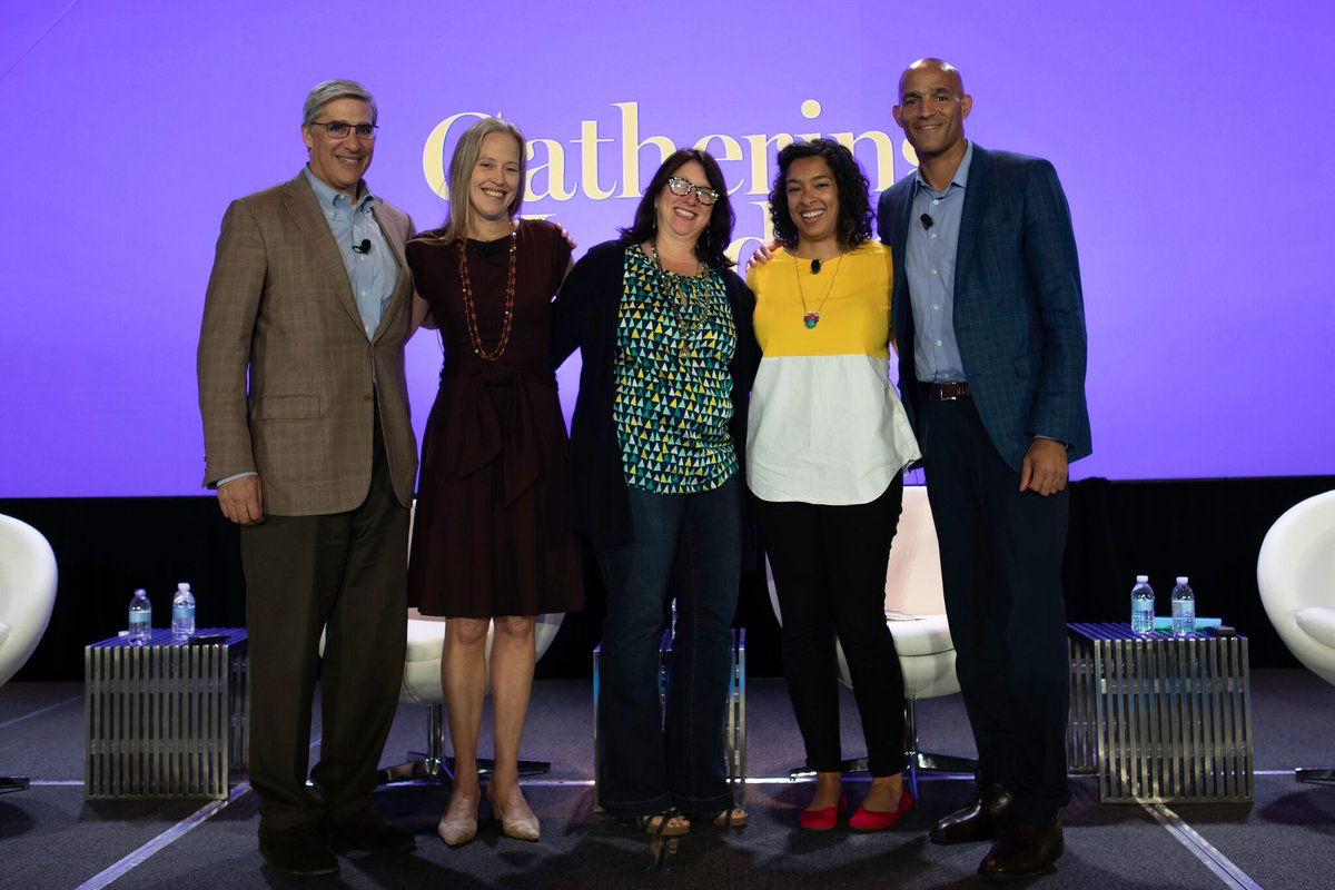 .@GivingCompass shares 3 key themes from #NPGoL on best ways to collab from @MLTJohnRice, @MLTOrg; @wendykopp, @TeachForAll; &amp; @laurawp, @Code2040: 1. Don&#39;t be afraid to share ideas 2. Harness power of networking 3. Activate collective power in leadership  https:// hubs.ly/H0cg2X80  &nbsp;  <br>http://pic.twitter.com/jQF4yRvSrc