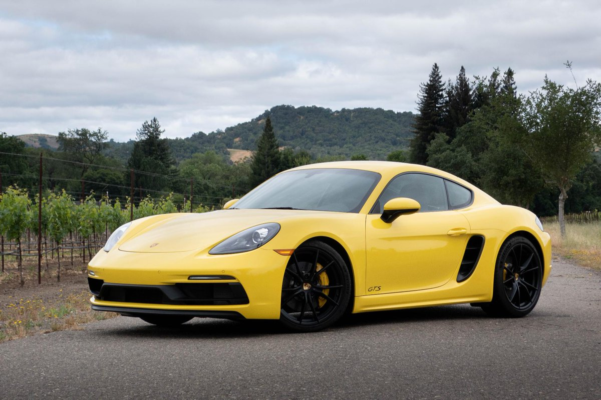 The 2018 Porsche 718 Gts May Be S Best Bang For Your Buck Read Why Http Po St Jkwkre Porschepic Twitter Qdtxjordiw