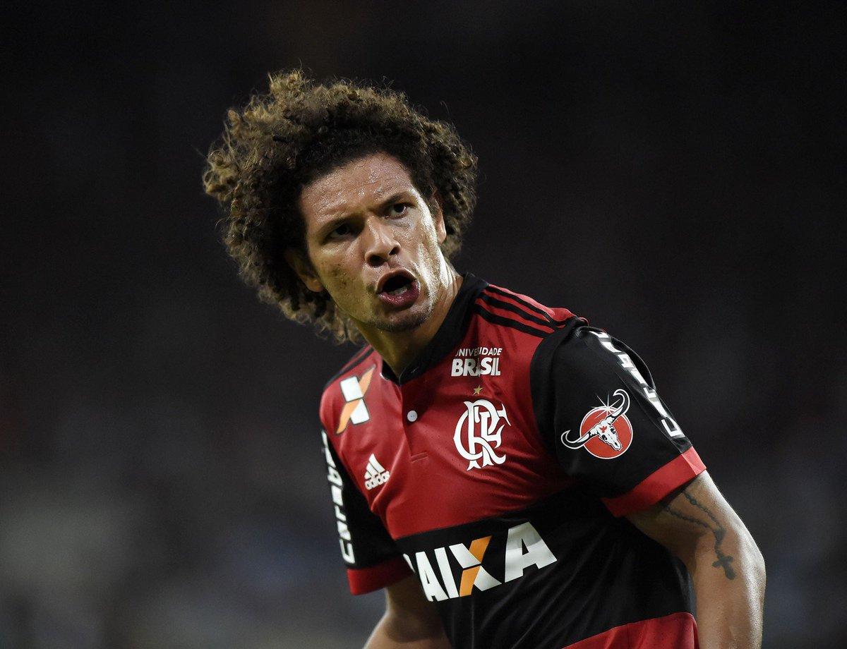 Sem espaço no Flamengo, volante Willian Arão entra na mira do Inter => https://t.co/5DRbTkBUa8