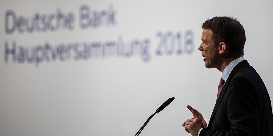 Rigoroses #Sparprogramm - Deutsche Bank will durch #Stellenabbau aus der #Krise https://t.co/BHB8JzD5SM