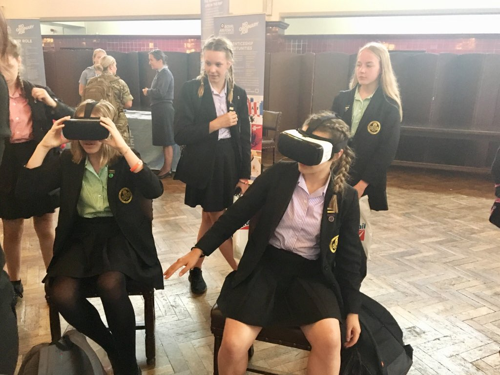 @RMASandhurst Amazing day for 27 of our Year 8 female STEM enthusiasts at the Royal Military Academy, Sandhurst. Fantastic ambassadors of Park School. Very inspired, lots learnt. #womeninSTEM #womeninengineering #YoE18