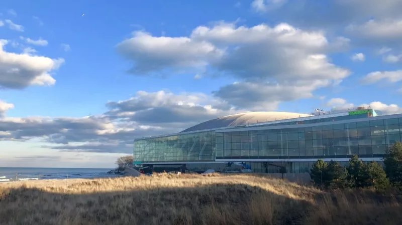 Northwestern—fucking Northwestern!—shells out $270 million for fancy practice facility: https://t.co/BG8Yp5Qo0T https://t.co/LiVNQHTkuM