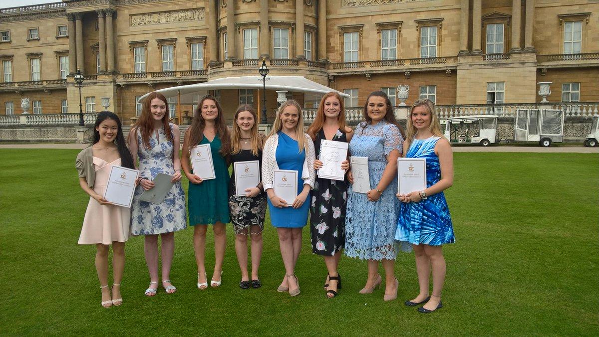 Methody's Golden Girls shine at Duke of Edinburgh Award ceremony at Buckingham Palace.