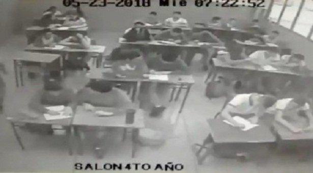 La reacción de un salón de clases ante el sismo de este miércoles en Valencia (Video) https://t.co/qwByO7kOFo https://t.co/znsQKz1wfC