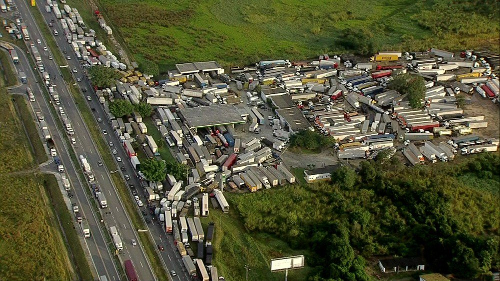 CBF monitora risco para rodada do Brasileiro por greve de caminhoneiros: https://t.co/L8gd2NgNTI