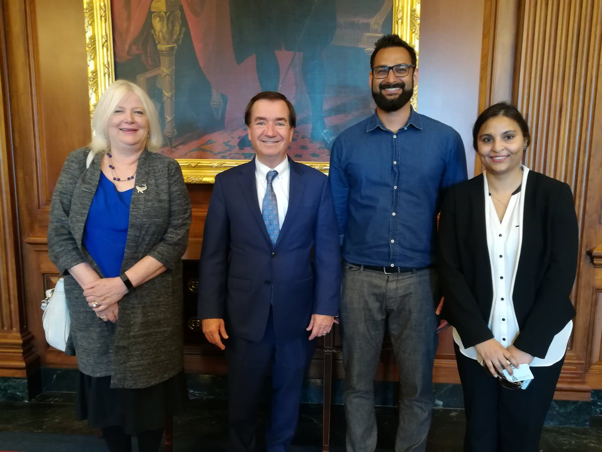 .@HouseForeign Chairman Ed Royce met yesterday with Pakistani @Fulbright students from George Washington Ahmed Shayan and Nudrat Piracha. Piracha is the first Pakistani woman to study arbitration law, and Shayan just completed his MA in Global Communication. Congrats!