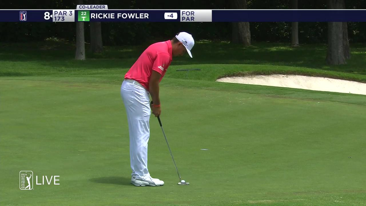 .@RickieFowler has the putter working on Thursday.  He's tied for the lead at -4.  #QuickHits https://t.co/fMDyX8ifpo