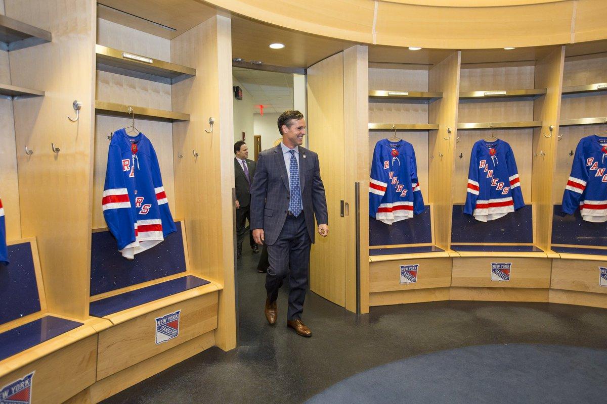 David Quinn's first steps in the #NYR locker room as the Head Coach of the Blueshirts