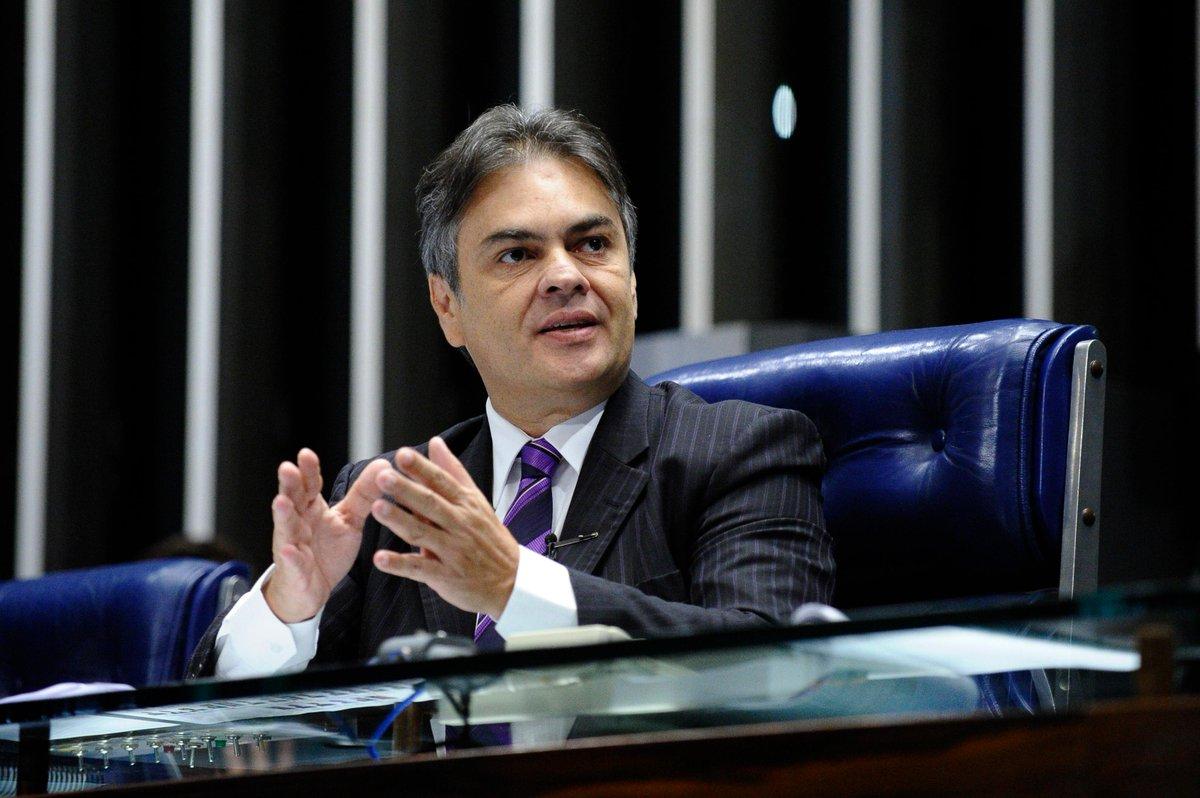 Vice-presidente do Senado pede demissão de Pedro Parente da Petrobras https://t.co/cR1EElUA6r