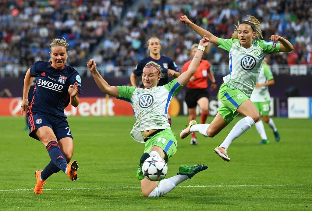 FT: Wolfsburg 0-0 Lyon  Could we have another #UWCLfinal go to penalties?  30 minutes of extra-time first!  Watch live: https://t.co/SCJjlE5juG