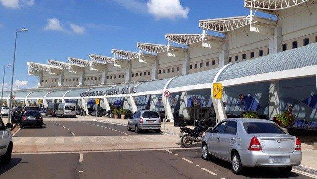 Com risco de falta de combustível, aeroporto de Goiânia cancela voos. Veja lista - https://t.co/gG7vKzHcD4