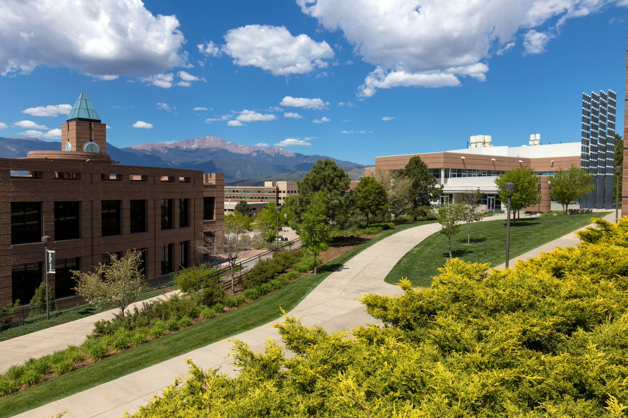 Uccs Kraemer Library On Twitter It S Such A Nice Day On The Uccs Campus Uccs Coloradosprings 1,769 likes · 2,184 were here. twitter