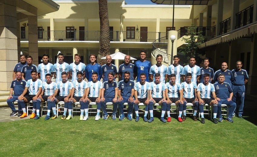 #JuegosOdesur ¡La foto oficial de los chicos del Sub 19!: bit.ly/2keI0Cv