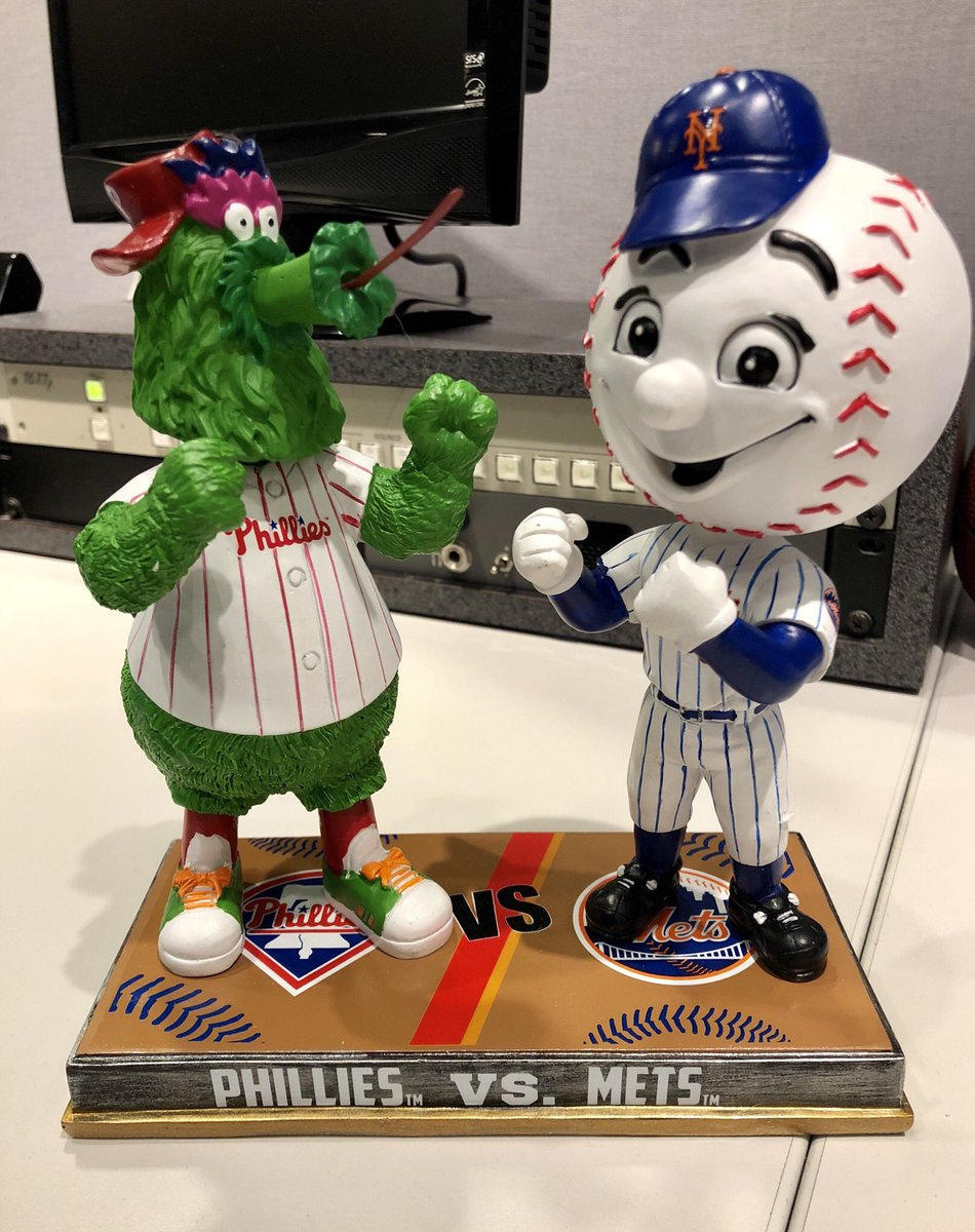Mr Met is always nice addition to the sports office. He could definitely take the Phanatic two out of three. Thanks @BobbleheadHall #LGM