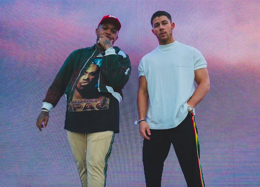 "New Video: @mustard & @nickjonas ""Anywhere"" https://t.co/CfLx96xGVi  https://t.co/wOIGY8UrbY"