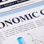 #Zillow: Experts predict next #recession will hit in 2020: #Zillow with the research firm #Pulsenomics LLC polled 100 real estate experts and economists about their predictions for the housing market in its quarterly survey in April and May, and this… https://t.co/PWSlW0vGze