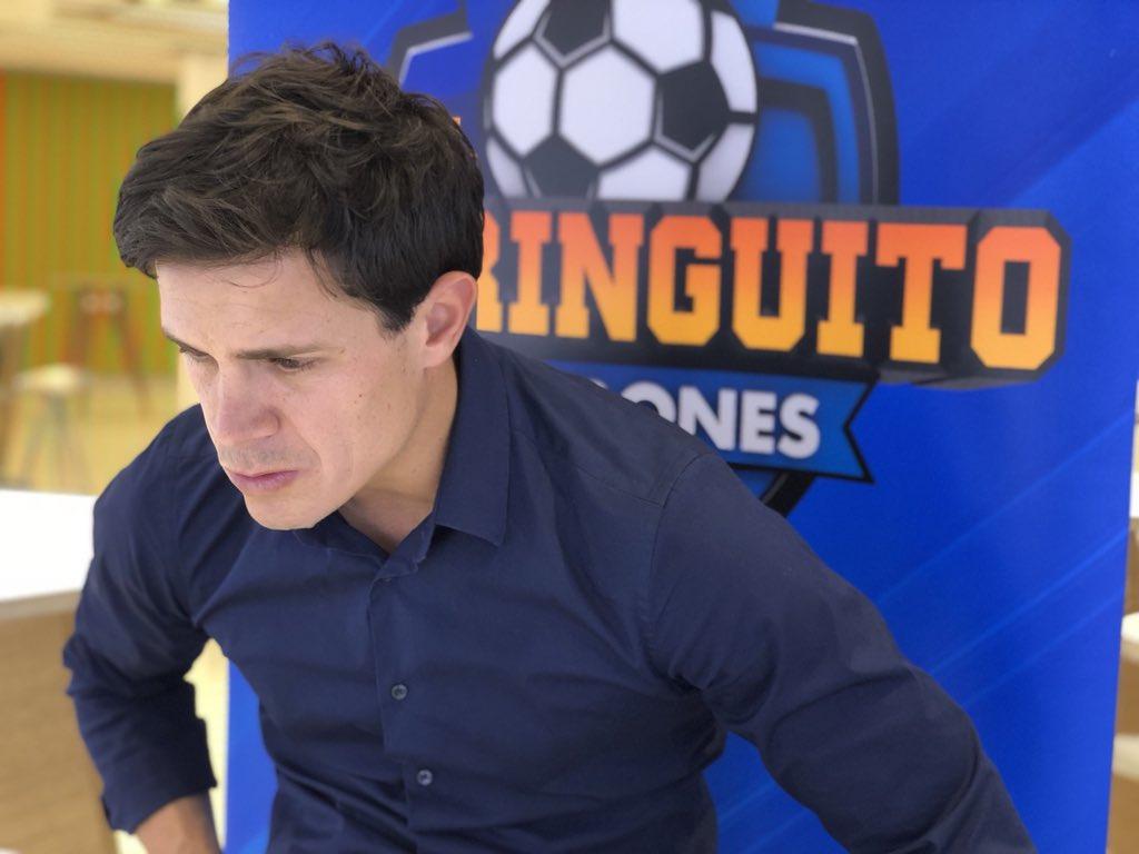 """🔴""""HAY QUE APROVECHAR el BUEN MOMENTO de BALE"""". @EduAguirre7 está EN DIRECTO a 4 DÍAS de la FINAL de Kiev. ¡ÚNETE! facebook.com/ElChiringuitoT…"""