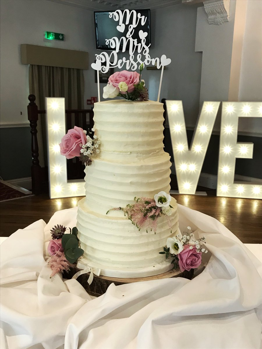 The Cake Shack On Twitter All Buttercream Wedding Cake Can You