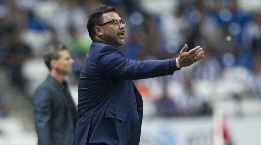 #OFICIAL Antonio El Turco Mohamed, nuevo entrenador del Celta marca.com/futbol/celta/2…