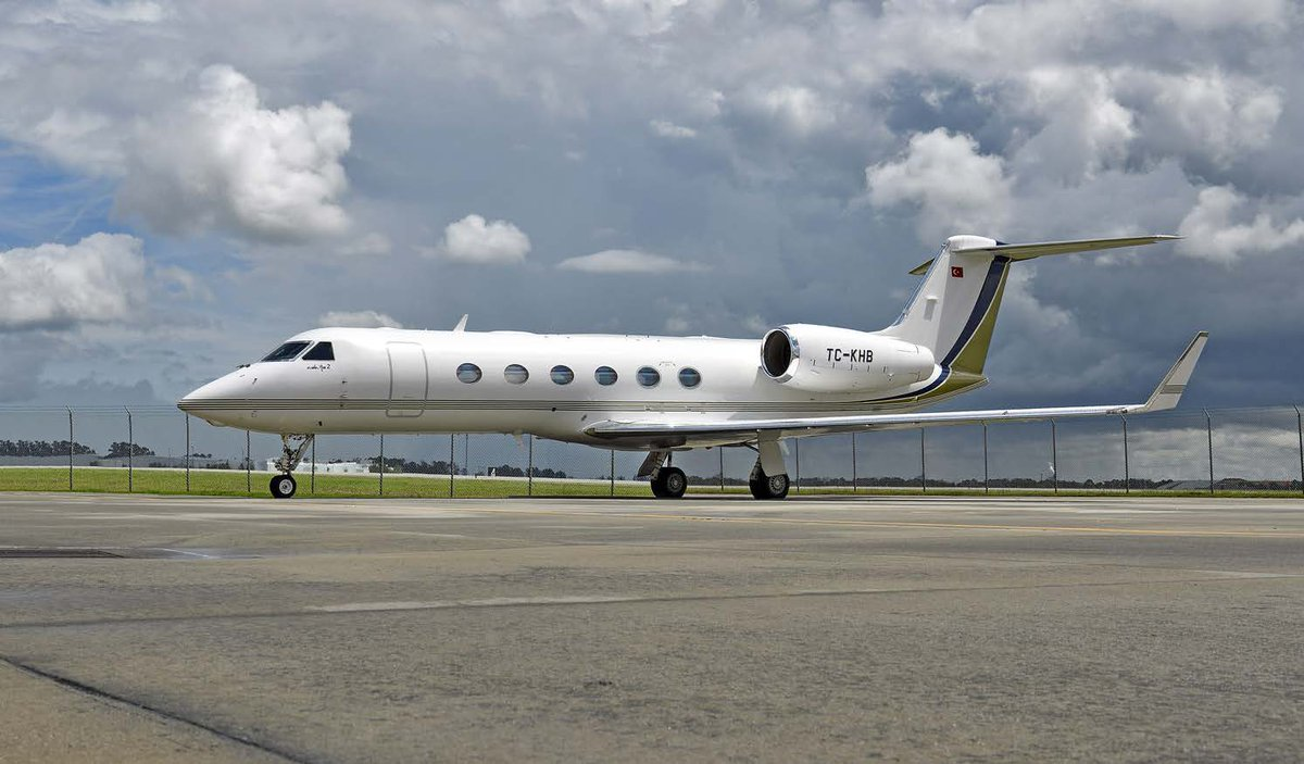 2009 #Gulfstream #G450 $14,250,000 →  http:// ow.ly/vVh930k8aie  &nbsp;   • Engines on RRCC, APU on MSP • 14 Passenger Interior • ADS-B Out • Structural Labor &amp; Material Warranty #jetsforsale #aircraftforsale <br>http://pic.twitter.com/0N8X8iJhjw