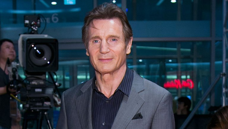Liam Neeson joins Chris Hemsworth in 'Men in Black' spinoff https://t.co/SpAeosxz0e https://t.co/u4alAd3hcT