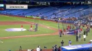 Ohtani putting on a SHOW for the fans north of the border. �� https://t.co/xDt8kpluK6