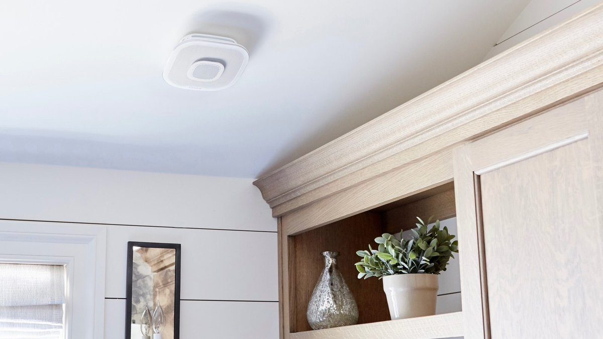 'Safe & Sound' smoke alarm with HomeKit and built-in Alexa now available, AirPlay 2 promised  $AAhttps://t.co/DgpBHmXblKPL